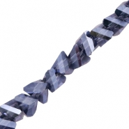 Top faceted beads triangle 6mm Montana Blue