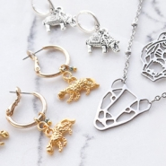 NEW NEW: a huge collection trendy animal charms