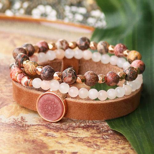 See here what you can make with natural stone beads: