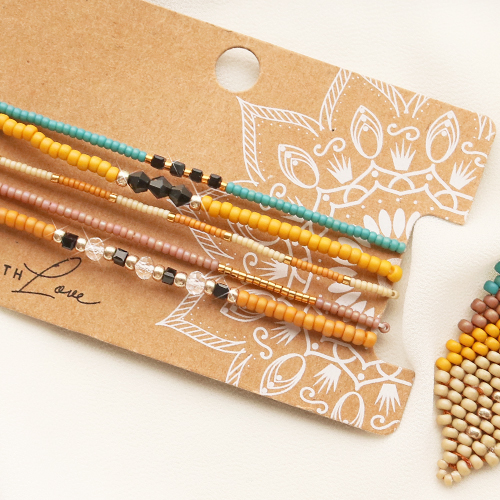 This is how you make bracelets and earrings with Miyuki seed beads: