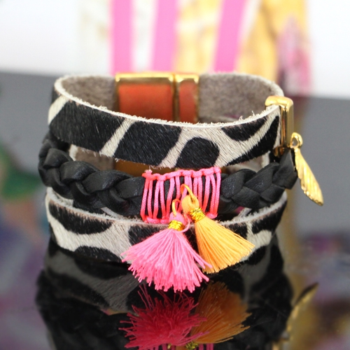 Combine Nature leather with bright coloured tassels and beads!