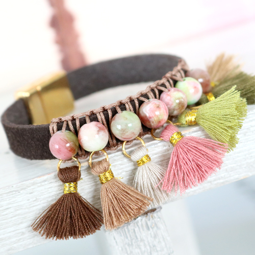 Boho Look jewellery with trendy beads and the latest fallcollection Ibiza Style tassels