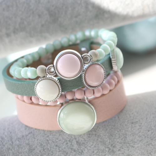 Gorgeous jewellery with trendy Polaris Elements cabochons in light shades for a soft look