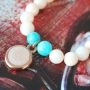 With our natural top glass faceted beads you can make beautiful jewellery in a happy style!!