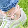 Create DIY summer ankle bracelets, super trendy to match with your summer outfit!