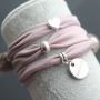 Create lovely bracelets with elastic Ibiza ribbon for your winter look!