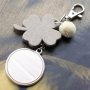 Design trendy keychains with new DQ leather pendants in clover shape
