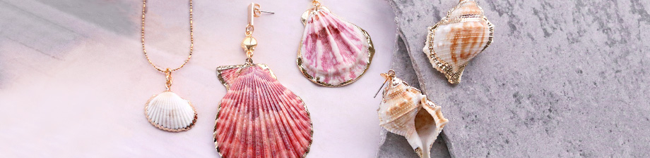 TREND ALERT: new shell pendants + belcher chain
