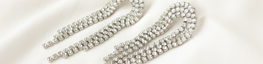 NEW: rhinestone chain on a spool!